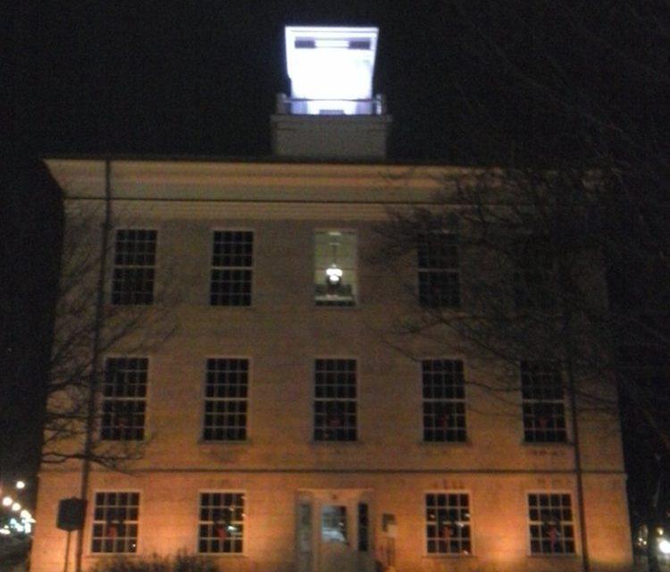 Batavia-Genesee County Lights Up Court House
